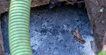 تخلیه چاه جامدات فاضلاب