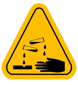 اسید امکان باز کردن گرفتگی لوله فاضلاب با سیمان را ندارد.